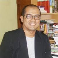 Teuku Muttaqin Mansur, Doktor dari Beuracan