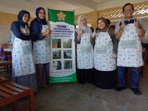 Dosen FH Unsyiah Dampingi Industri Rumahan Perempuan di Aceh Besar